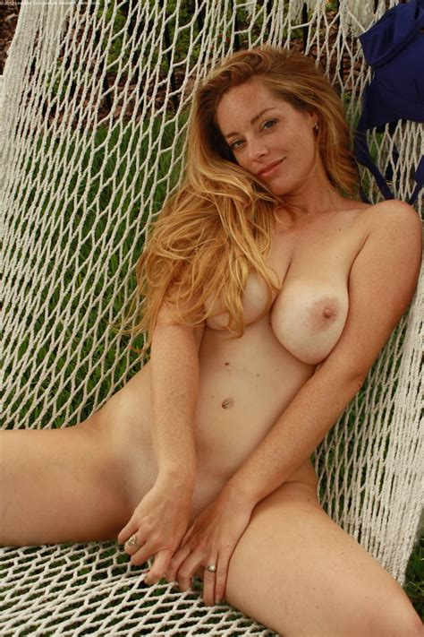 free nude hot woman pics jpg 1333x2000