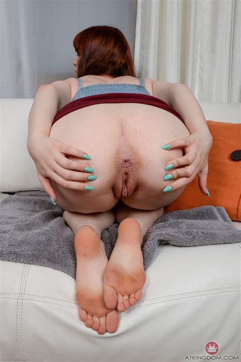 lesbian feet vid posts jpg 1064x1600
